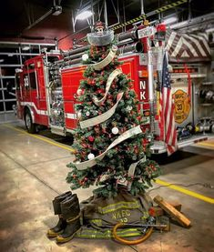 And speaking of fire safe Christmas trees.Awesome decoration job, New Kingstown Fire Company! (photo courtesy of Alexander Hall) Firefighter Crafts, Firefighter Love, Volunteer Firefighter, Firefighters Wife, Song Seung Heon, Fire Dept, Fire Department, Fire Hall, Christmas Tree Themes
