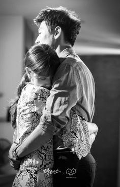 Kim Rae won and Park shin hye in Doctors 2016 Ep 13 Doctors Korean Drama, Korean Drama Best, Dr Park, Lee Min Ho Kdrama, Kim Rae Won, Korean Drama Quotes, Sung Kyung, Weightlifting Fairy Kim Bok Joo, Handsome Korean Actors