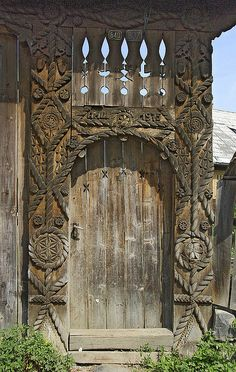 Doors signify the importance of the house in the village of Budesti, deep in the Cosau valley of Maramures. Located in the north of Romania. Old Wooden Doors, Wooden Door Hangers, Old Doors, Windows And Doors, Door Knockers, Door Knobs, Door Handles, Portal, Entrance Doors