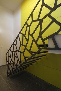 Corte Laser Metal, Sheet Metal Art, Stair Railing Design, House Stairs, Love Design, Bruschetta, Bungalow, Gate, Architecture