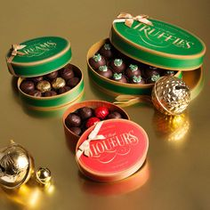 Delicious chocolate gifts to share #chocolate #gift #gifts #corporate #Haighs  http://www.haighschocolates.com.au/chocolates/browse/#christmas-collection