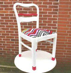 st hle im wohnzimmer dunkelbraun streichen und mit roten stoff neu beziehen zuk nftige. Black Bedroom Furniture Sets. Home Design Ideas