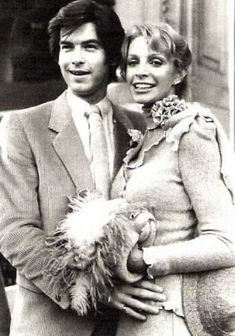Actor Pierce Brosnan, 28, and his first wife Cassandra Harris, 33, were married 1980 until her death on their 11th wedding anniversary in 1991.