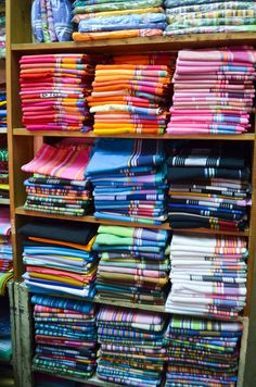 OMG HOW DO I CHOOSE!? Kikoy shopping in Mombasa.Photography bymollyinkenya.