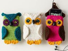Photo: I love these little owl phone pouches. You could  increase the stitches in the 'body' and turn it into a little purse too. Here is the link to the free pattern http://www.craftyarncouncil.com/ilyd/linda-cyr