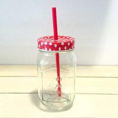 Disfruta de tu #refresco o #té fresquito en este bote con pajita :) Encontrarlo en nuestra #tiendaonline http://www.differentshop.es/botes-y-tarros/64-bote-con-pajita-rojo.html