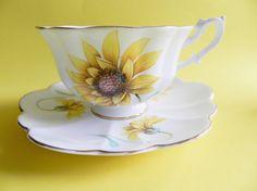 Shelley Teacup, Shelley Yellow Teacup, Shelley Sunflower Tea Cup, Anthol Shelley Tea Cup, no