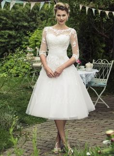 A-Line/Princess Scoop Neck Knee-Length Appliques Lace Flower(s) Tulle Covered Button Sleeves 1/2 Sleeves Church Garden / Outdoor No Spring Summer Fall Ivory White Wedding Dress
