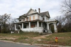 Vacant Mansions for Sale | Abandoned mansion | Flickr - Photo Sharing!