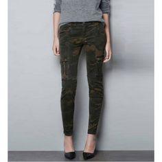Multi Pockets Camouflage Pants