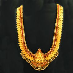 Gold Jewelry Design In India Kids Gold Jewellery, Black Gold Jewelry, Gold Jewelry Simple, Gold Jewellery Design, Temple Jewellery, Antic Jewellery, Metal Jewellery, Gold Haram Designs, Necklace Designs