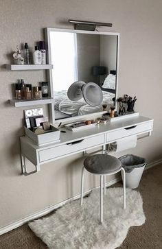 Best elegant small bedroom design ideas with stylish, art touching, and clean design. Small bedroom is best choice for your home with small space. Vanity Room, Small Bedroom Vanity, Vanity Decor, Wall Mounted Makeup Vanity, Mirror Vanity, Bedroom Makeup Vanity, Makeup Table Vanity, Ikea Vanity Table, Corner Makeup Vanity