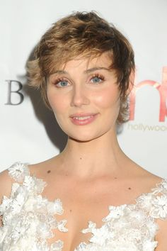 Clare Bowen attends the 2nd Annual Hollywood Beauty Awards http://celebs-life.com/clare-bowen-attends-2nd-annual-hollywood-beauty-awards/  #clarebowen