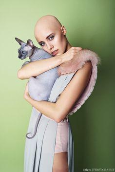Spynx cat on Behance - Hot Girls Chat Sphynx, Amor Animal, Youtubers, Bald Girl, Bald Women, Cat Photography, Fashion Photography, Animal Fashion, Beautiful Cats