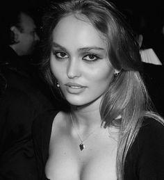 Lily Rose Depp Style, Lily Rose Melody Depp, Lily Depp, Carlson Young, Celebs, Celebrities, Looks Cool, Girl Crushes, Pretty People
