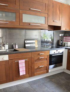 Régi-új konyhabútor | juditu Modern Kitchen Cabinets, Kitchen Cabinet Design, New Kitchen, Kitchen Decor, Small House Interior Design, Interior Design Kitchen, Minimalist House Design, Kitchen Remodel, Home Decor
