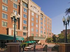 Alexandria (VA) Wyndham Old Town Alexandria United States, North America Ideally located in the prime touristic area of King St Metro, Wyndham Old Town Alexandria promises a relaxing and wonderful visit. Offering a variety of facilities and services, the hotel provides all you need for a good night's sleep. Free Wi-Fi in all rooms, laundromat, 24-hour front desk, facilities for disabled guests, luggage storage are on the list of things guests can enjoy. Guestrooms are fitted w...