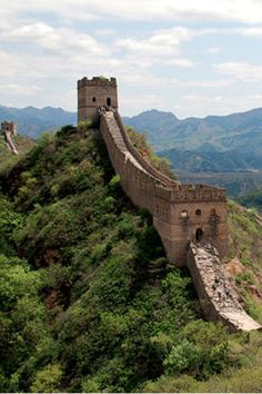5 Must-See UNESCO World Heritage Sites in Asia   http://borntobunk.com   #greatwall #china #asia