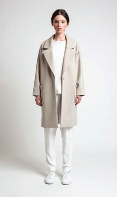 Juliette Hogan | Carin Coat Cermaic