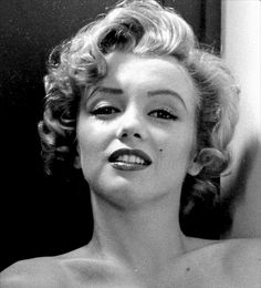 """Marilyn Monroe photographed by Philippe Halsman, 1952. """