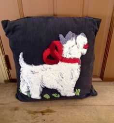 VINTAGE NEEDLEPOINT PILLOW DOG HOOKED #Handmade