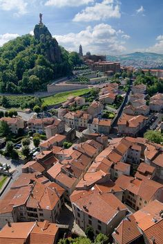 Le Puy en Velay, France (by Kalense Kid)
