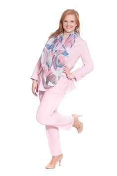 Design for you - Big Size Fashion made in Austria. Seit über 30 Jahren entwirft Mathilde Bauer Plus Size Mode, die begeistert. Überzeugen Sie sich jetzt von der exklusiven Designer Qualität von Design for you! Besuchen Sie unsere Plus Size Boutique in der Landstraße Hauptstraße 81 in Wien.