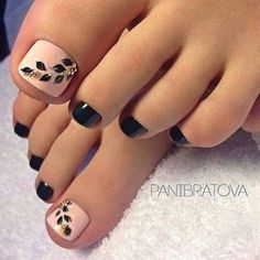 21 Amazing Toe Nail Colors to Choose This Season Trendy Black Toe Nail Color Pedicure Nail Art, Fall Pedicure, Pedicure Colors, Manicure And Pedicure, Pedicure Ideas, Black Pedicure, Summer Pedicures, Pretty Pedicures, Wedding Pedicure