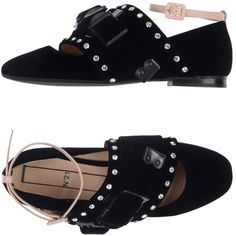 N° 21 Ballet Flats (10 370 UAH) ❤ liked on Polyvore featuring shoes, flats, black, round toe flats, ankle wrap ballet flats, flat shoes, black shoes and black ankle strap flats