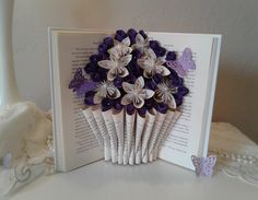 38 Trendy flowers boquette gift roses book pages Bouquet En Origami, Origami Flowers, Paper Flowers Diy, Origami Hearts, Book Page Flowers, Roses Book, Origami Design, Book Page Crafts, Recycled Books