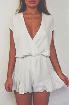 White Broken Hearts Playsuit , i like ♥ Looks Style, Looks Cool, Style Me, Look Fashion, Fashion Outfits, Trendy Fashion, Girl Fashion, Womens Fashion, Ladies Fashion