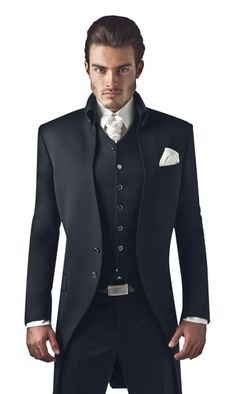 Mens Hottest Fashion, New Mens Fashion, Mens Fashion Suits, Fashion Outfits, Gentleman's Wardrobe, Stylish Mens Outfits, Tuxedo Wedding, Groom Attire, Groom Style