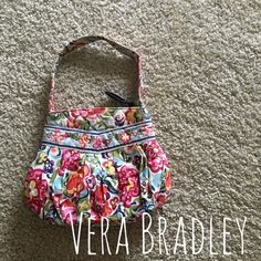 Vera Bradley Purse Lightly used- in great condition. A fun colored and perfect size purse for all ages! Vera Bradley Bags