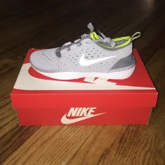 Nike Solarsoft Costa Low (Men's 8/Women's 9.5, 10) BRAND NEW, NEVER WORN | Wolf Grey, Lime Green, White Nike Shoes Athletic Shoes
