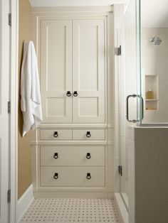 Linen Closet Design, Pictures, Remodel, Decor and Ideas- why don't they do these anymore? So much more useful than a closet with crappy wire shelves
