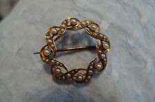 Beautiful Edwardian 15ct yellow gold brooch with seed pearls
