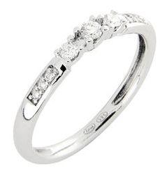 Paletti Jelwery Amelie diamond ring in white gold. Diamond Rings, Diamond Jewelry, Amelie, White Gold, Pendants, Engagement Rings, Earrings, Jewelries, Jewellery