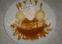 Bánán v karamelu s vanilkovou zmrzlinou Eggs, Breakfast, Food, Morning Coffee, Essen, Egg, Meals, Yemek, Egg As Food