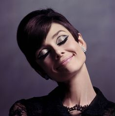 Very cool portrait of Audrey Hepburn. Great glittery eyes
