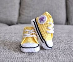 Baby shoes - custom hand made Crochet shoes baby sneakers ,,Converse,, Crochet For Boys, Crochet Baby Booties, Crochet Slippers, Cotton Crochet, Crochet Yarn, Baby Sneakers, Baby Boots, Toddler Shoes, Handmade Baby