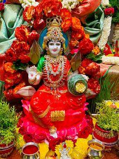 Indian Goddess, Goddess Lakshmi, Good Morning Happy Friday, Ganapati Decoration, Ganesh Lord, Lakshmi Images, Hindu Mantras, Puja Room, Diwali Decorations