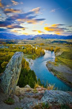 Clutha River, Otago, New Zealand by Carlo Grunwald