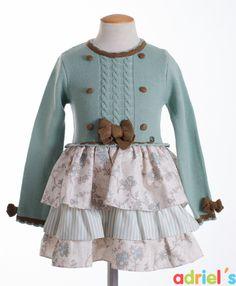 Vestido para niña de Dolce Petit con cuerpo de punto.