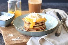 Gezondere pancakes met mango en kokos
