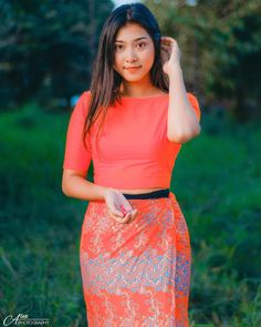 Photos of Myanmar Model Girl and Hot Celebrities Burmese Girls, Myanmar Women, Asian Model Girl, Girl Photography Poses, Pretty Woman, Asian Beauty, Lace Skirt, Celebrities, Celebrity
