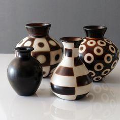 20-349 Peru Signed Marcelo Prado - Ray New York Glazing Techniques, Ceramic Decor, Prado, Silk Flowers, Peru, Matte Black, Wax, Pottery, Display