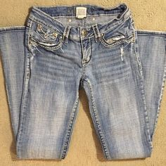 ✨Hydraulic Jeans✨ Cute pair of Bailey Almost Bootcut Size 7/8 Hydraulic Jeans Boot Cut