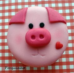 pig cupcakes - nice idea for new year's eve Fondant Cupcake Toppers, Pig Cupcakes, Animal Cupcakes, Cupcake Cakes, Pig Birthday Cakes, Farm Birthday, Childrens Cupcakes, Piggy Cake, Fondant Animals