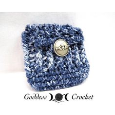crochet bag pattern, small ribbed pouch with button