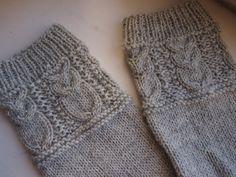 Ystäväni tilasi minulta pöllösukat, jollaiset oli nähnyt eräässä blogissa. Blogi johti toiseen blogiin , josta löysin sukkien ohjeen. Käy... Owl Socks, Crochet Socks, Slippers, Knitting, Pattern, Crafts, Fashion, Bedroom Cabinets, Tights